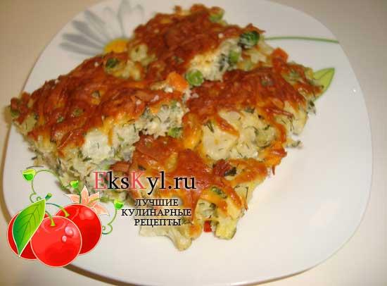 Запеканка из замороженных овощей с сыром и яйцом