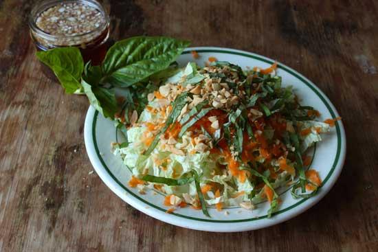 Салат из пекинской капусты: