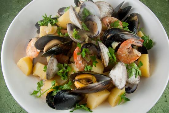 Морской салат (с мидиями и креветками)