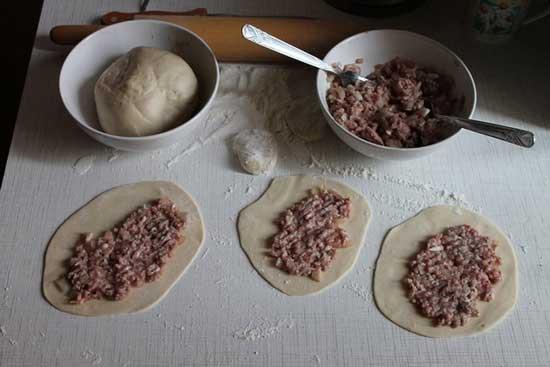 Как приготовить чебуреки
