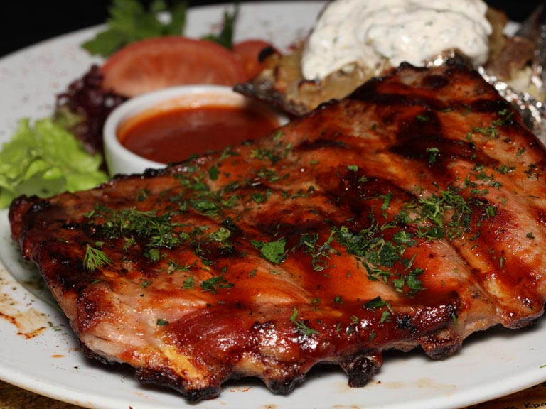 как вкусно приготовить свиные ребрышки с картошкой в духовке