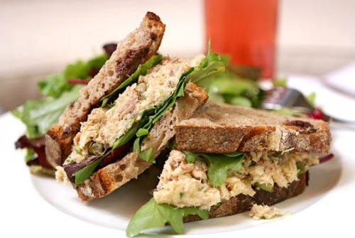 Бутерброды с тунцом кончервированным