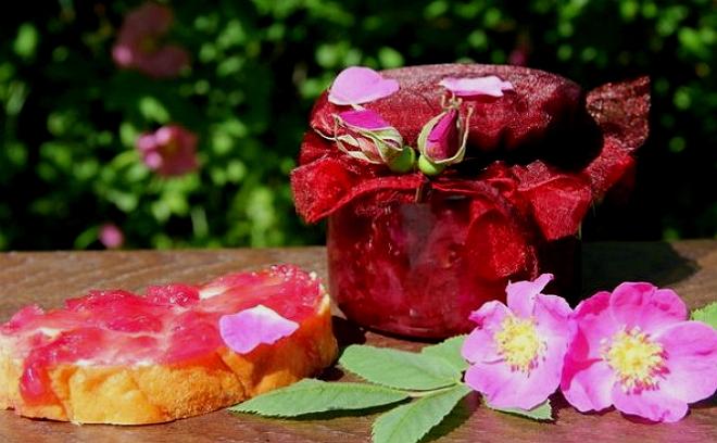 варенье из ягод шиповника