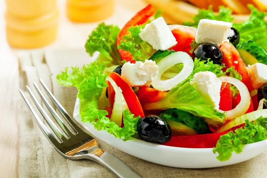 Салат греческий из моцареллы рецепт с