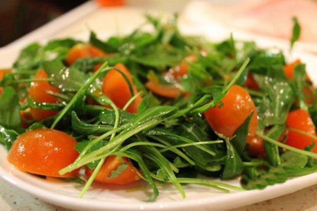 Салат с рукколой и помидорами рецепт с