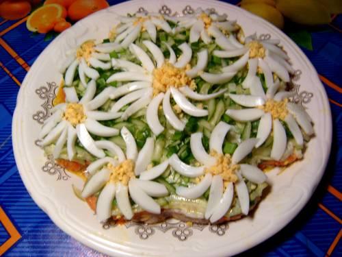 салат ромашка